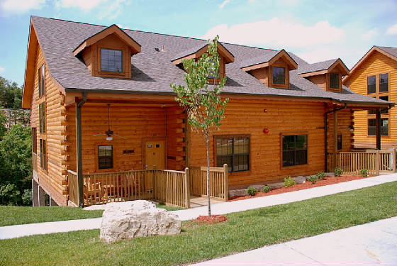 Branson cabin rental options at the grand mountain for for Cabins near branson mo